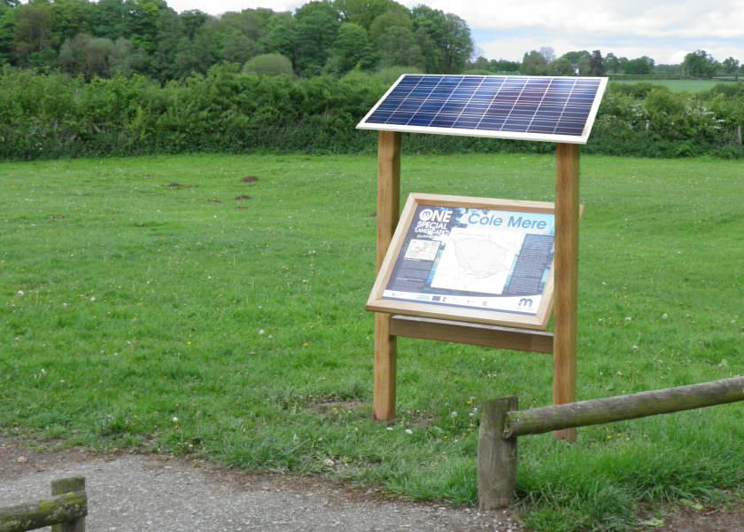 Solar-powered digital sign