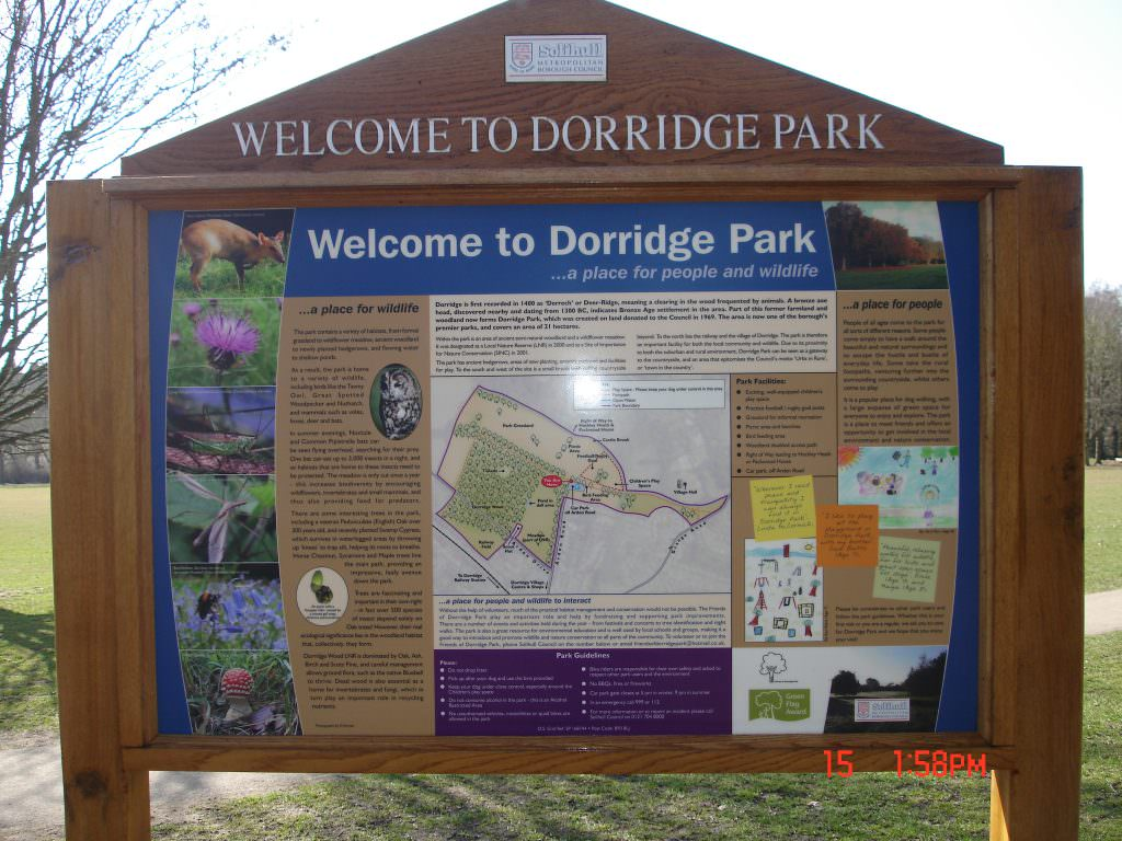 A full colour printed Welcome sign to an urban park. Mounted in oak posts and with an oak header panel. The design includes a site map and local information